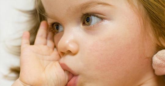 Cuando los niños se chupan el dedo pulgar