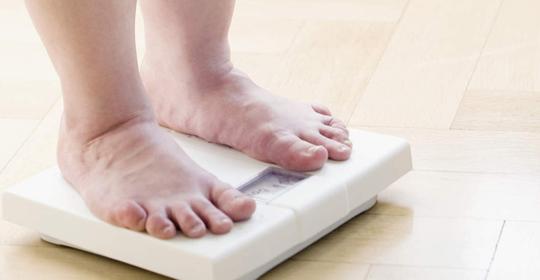 Cómo puede afectar el sobrepeso a la salud de nuestros pies