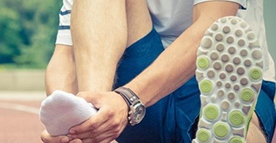 Lesiones en el pie jugando al pádel: fascitis plantar y metatarsalgia